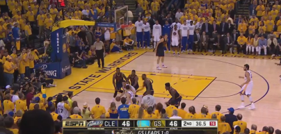 Curry Klay attention